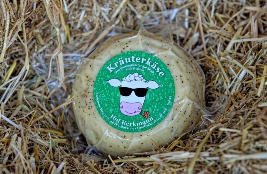 Käse mit Italienischen Kräutern